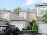 123 Windwatch Dr Hauppauge NY, 11788