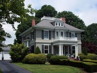 28 Holmes Terrace Plymouth MA, 02360