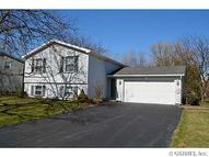 468 Pebbleview Dr Greece NY, 14612