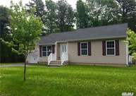 11 E Margin Rd Ridge NY, 11961