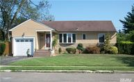 2062 Central Dr East Meadow NY, 11554