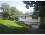 4 Hillcrest Dr Oxford MA, 01540
