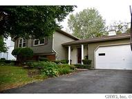 7482 Moon Valley Dr Liverpool NY, 13088