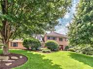 1641 Blackburn Heights Dr Sewickley PA, 15143
