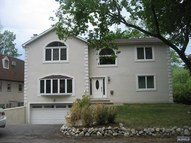 43 Lakeshore Dr Oakland NJ, 07436