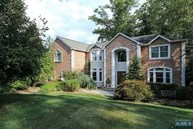 42 Berkshire Rd Woodcliff Lake NJ, 07677