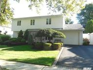 32 Crescent Dr Old Bethpage NY, 11804