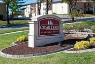 Cedar Trace Apartments Maryland Heights MO, 63043