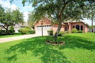 715 Redwood Bend Ln Pearland TX, 77584