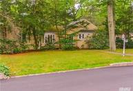 2 Revere Rd Roslyn Heights NY, 11577