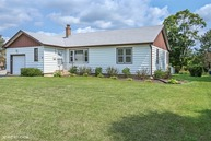 69 North Lincoln Avenue Mundelein IL, 60060
