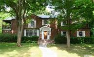53 Old Pond Rd Great Neck NY, 11023