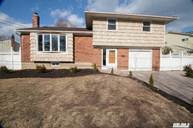 9 Solow Ln East Northport NY, 11731
