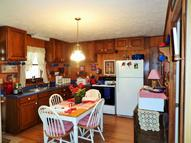 31 Calvin St Waverly TN, 37185