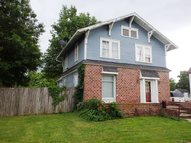 240 Canal St Brookfield MO, 64628