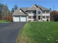 29 Willow Ct Auburn NH, 03032
