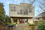 112 Nw 50th St Seattle WA, 98107