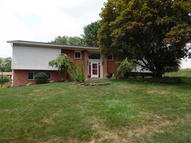 17 Dorchester Dr Dallas PA, 18612