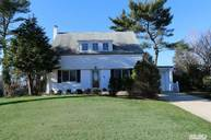 11 East Court Roslyn Heights NY, 11577