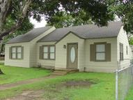 408 North Hunt St. Bellville TX, 77418