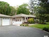 391 Bread And Cheese Rd Fort Salonga NY, 11768
