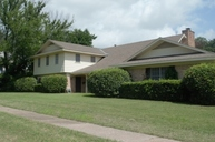 607 E. Main Mexia TX, 76667