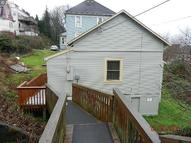 659 31st St Astoria OR, 97103