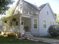421 South Pine Street Nokomis IL, 62075