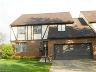 39 Westminister Ln Kent OH, 44240