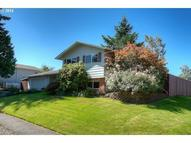445 Ne Paropa Way Gresham OR, 97030