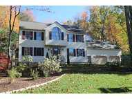 4 Foxwood Dr Lincoln RI, 02865