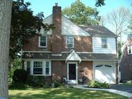 1809 Windsor Park Ln Havertown PA, 19083