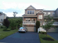 North River Dr 31 Beacon NY, 12508