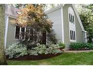 21 Maplecrest Dr Greenville RI, 02828