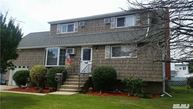 18 Marilyn Ct West Babylon NY, 11704