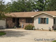 425 Heights Ave. Taylorville IL, 62568