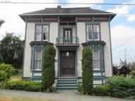 369 37th St Astoria OR, 97103