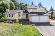 8604 23rd St Ct W University Place WA, 98466