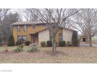 873 Guinevere Cir Uniontown OH, 44685