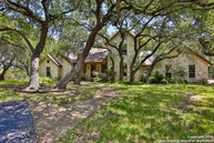 115 Woodland Ranch Rd Boerne TX, 78006
