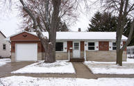 718 Riverview Dr West Bend WI, 53095