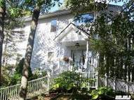 15 Belmont Dr Shirley NY, 11967
