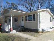 36 Pine St Brentwood NY, 11717