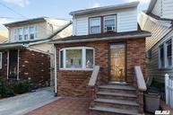 90-24 198th St Hollis NY, 11423
