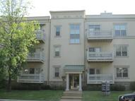 900 North Mcknight Road Unit: 2a Saint Louis MO, 63132