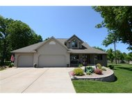 444 Meadow Wind Dr Green Bay WI, 54311