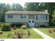 874 Oakdale Dr Pottstown PA, 19464