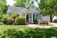 195 Lakeview Dr Hewlett NY, 11557