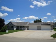 1804 Cedarhurst Dr New London WI, 54961