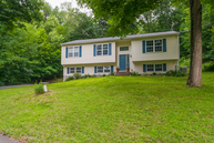 22 Mountain View Drive Newtown CT, 06470